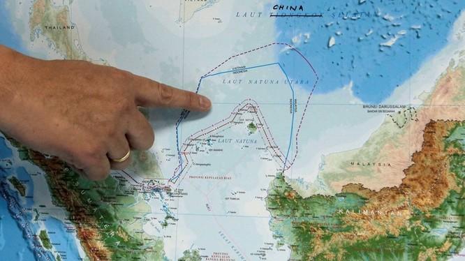 Khu vực tàu cảnh sát biển và tàu cá Trung Quốc xuất hiện, Indonesia cho rằng thuộc vùng đặc quyền kinh tế của họ. (Ảnh: Reuters)