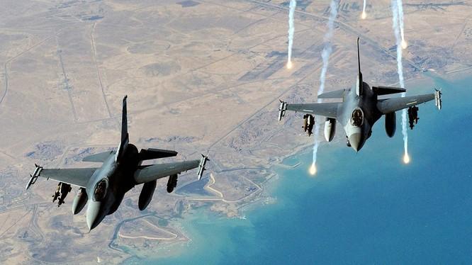 Ngày 7/1,Indonesia đã cho 4 máy bay chiến đấu F-16 bay tuần tra khu vực Quần đảo Natuna nơi Indonesia tố cáo tàu Trung Quốc xâm phạm vùng đặc quyền kinh tế (Ảnh: Đa Chiều).