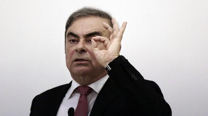 Cựu chủ tịch Nissan Carlos Ghosn tại cuộc họp báo tại Beirut hôm 8/1. (Ảnh: AP)