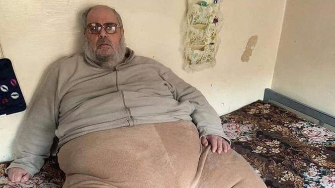 """Trùm khủng bố """"ác quỷ"""" Shifa al-Nima với thân hình """"siêu trọng"""". (Ảnh: Epochtimes)"""