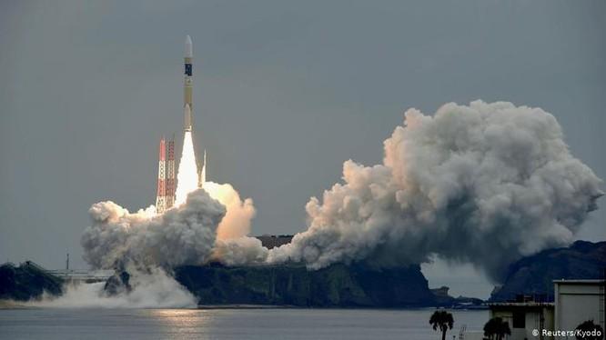 Nhật Bản sẽ hợp tác chặt chẽ với Mỹ để bảo vệ mình trước các mối đe dọa xâm hại từ không gian mạng và gây nhiễu điện từ đối với các vệ tinh. (Ảnh: Deutsche Welle)
