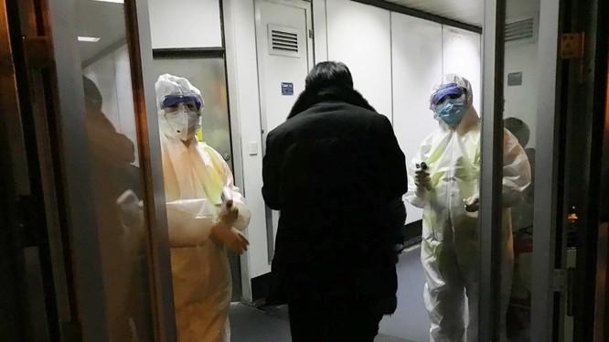Công tác phòng chống dịch Viêm phổi cấp do virus corona loại mới gây ra đang được Trung Quốc áp dụng quyết liệt (Ảnh: Đa Chiều)