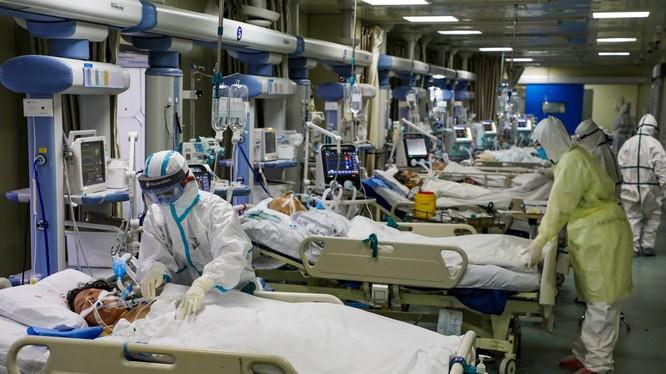 Số người nhiễm bệnh và số ca tử vong ở Trung Quốc vẫn tiếp tục tăng nhanh (Ảnh: Đa Chiều)