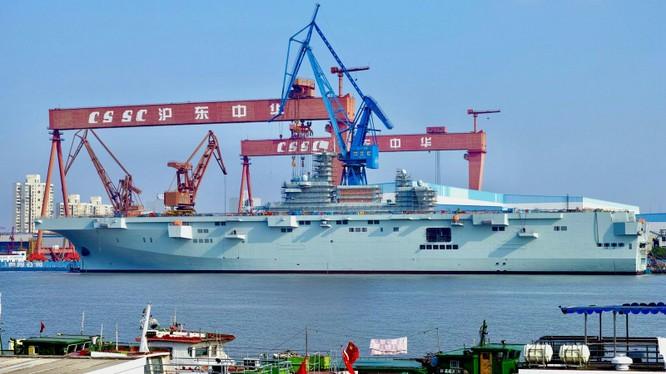 Chiếc tàu tấn công Type 075 đầu tiên có thể bị chậm tiến độ do ảnh hưởng của COVID-19 (Ảnh: Dingsheng)