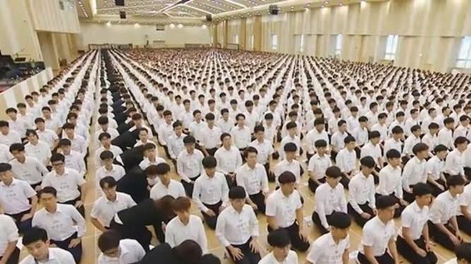Một buổi sinh hoạt đạo của Shincheonji (Tân Thiên Địa).Từ nay những hoạt động này sẽ bị coi là vi phạm pháp luật (Ảnh: Đông Phương).