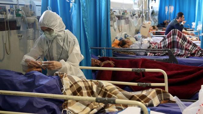 Đại dịch COVID-19 đã lan ra 125 quốc gia và khu vực,số ca nhiễm bệnh và tử vong ở các nước Âu Mỹ đang tăng rất nhạnh (Ảnh: AP).
