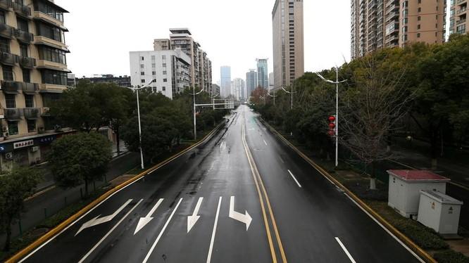 Vũ Hán là thành phố đầu tiên ở Trung Quốc bị phong tỏa ngày 23/1, sau đó lần lượt các tỉnh, thành phố khác đều làm theo (Ảnh: AFP).