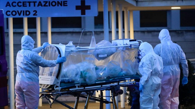 Số người chết vì COVID-19 trên toàn thế giới đã lên tới trên 11 ngàn (Ảnh: AP).