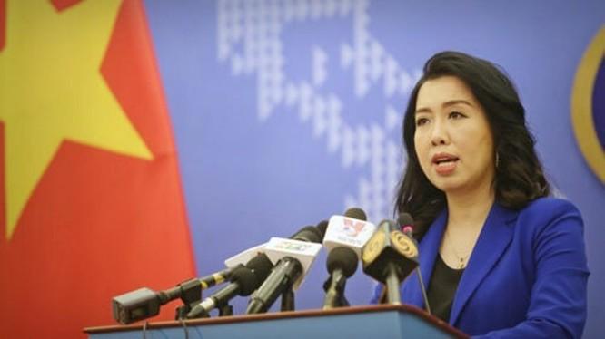 Người phát ngôn Lê thị Thu Hằng: hành động của tàu công vụ Trung Quốc đã xâm phạm chủ quyền của Việt Nam đối với quần đảo Hoàng Sa, gây thiệt hại về tài sản, đe dọa an toàn tính mạng và lợi ích hợp pháp của ngư dân Việt Nam (Ảnh: BNGVN).