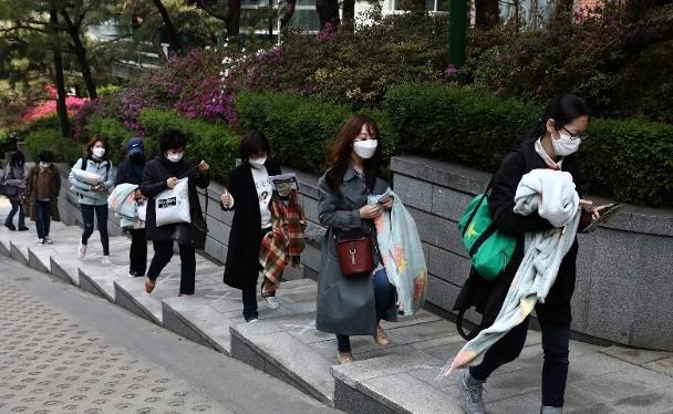 Mặc dù Hàn Quốc đã có tới 263 bệnh nhân đã khỏi bệnh tái dương tính với virus Corona mới nhưng chưa phát hiện những người này gây lây nhiễm (Ảnh: Getty).