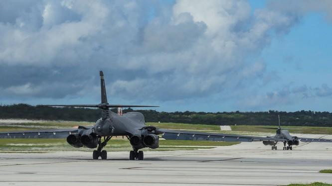 Mỹ đã đột ngột bố trí máy bay ném bom chiến lược siêu thanh B-1B tại căn cứ Andersen trên đảo Guam thay cho loại B-52 từ trung tuần tháng 4 (Ảnh: CNA).