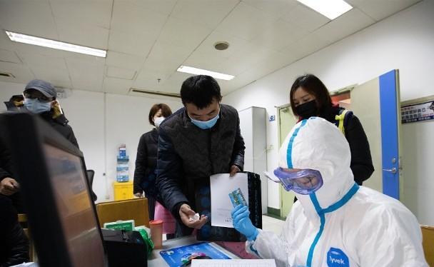 Thành phố Vũ Hán sẽ thực hiện xét nghiệm axit nucleic cho toàn bộ 11 triệu dân trong vòng 10 ngày (Ảnh: CNS).