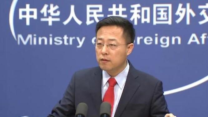 """Ông Triệu Lập Kiên, người phát ngôn Bộ Ngoại giao Trung Quốc, được coi là nhân vật tiêu biểu của """"ngoại giao chiến lang"""" (Ảnh: Toutiao)."""