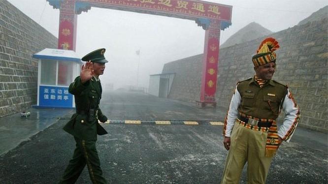 Tranh chấp biên giới Trung - Ấn lại nóng lên với cuộc ẩu đả giữa binh sĩ hai bên và những lời tố cáo lẫn nhau (Ảnh: BBC).