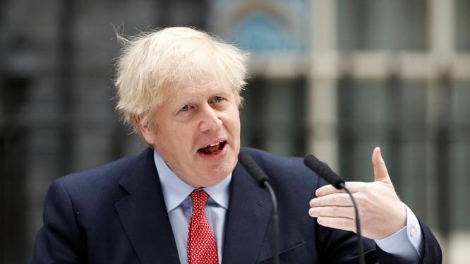 Thủ tướng Anh Boris Johnson có kế hoạch cho người dân Hồng Kông tị nạn và cư trú tại Anh (Ảnh: Reuters).
