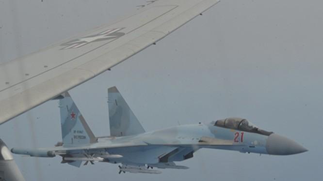 Hạm đội Sáu Mỹ cáo buộc máy bay Su-35 của Nga ngăn chặn trái luật máy bay trinh sát chống ngầm của họ trên vùng trời Địa Trung Hải (Ảnh: Guancha)