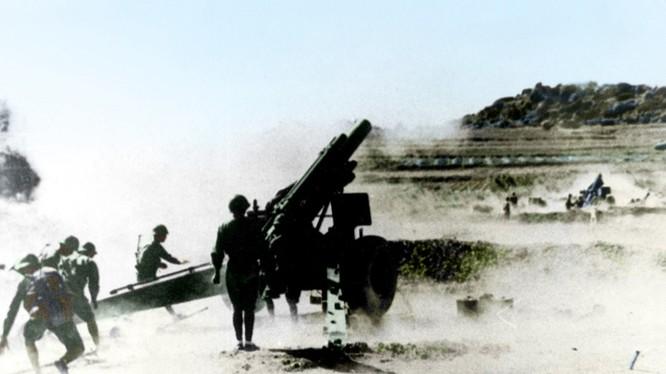 Pháo binh Đài Loan ở đảo Kim Môn phản kích (Ảnh: Tư liệu)