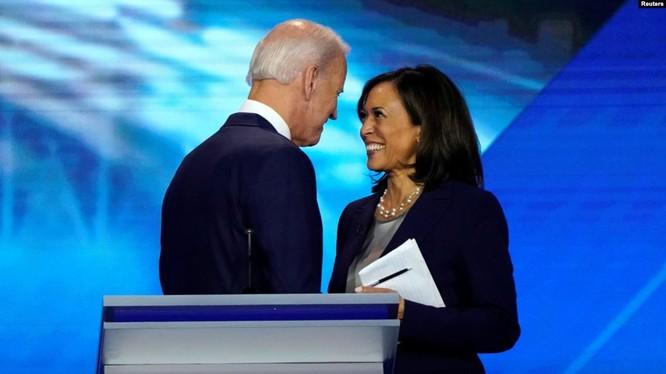 Ông Joe Biden và Thượng nghị sĩ bang California Kamala Harris, người có thể được ông chọn làm đối tác trong liên danh tranh cử (Ảnh: Reuters).