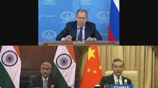 Ngày 23/6, Ngoại trưởng ba nước Nga-Trung-Ấn đã họp Hội nghị trực tuyến trực tuyến nhưng không đạt kết quả (Ảnh: Đa Chiều).