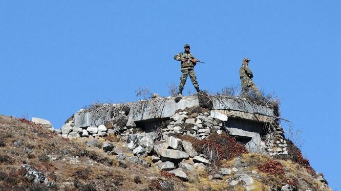 Tình hình biên giới Trung - Ấn ngày càng căng thẳng, cả hai bên đều gia tăng các hành động chuẩn bị chiến tranh (Ảnh: Đa Chiều).