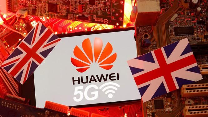 Ngày 14/7, sau nhiều tranh cãi, Anh đã chính thức tuyên bố cấm Huawei tham gia xây dựng mạng 5G ở nước này (Ảnh: easybranches.com).