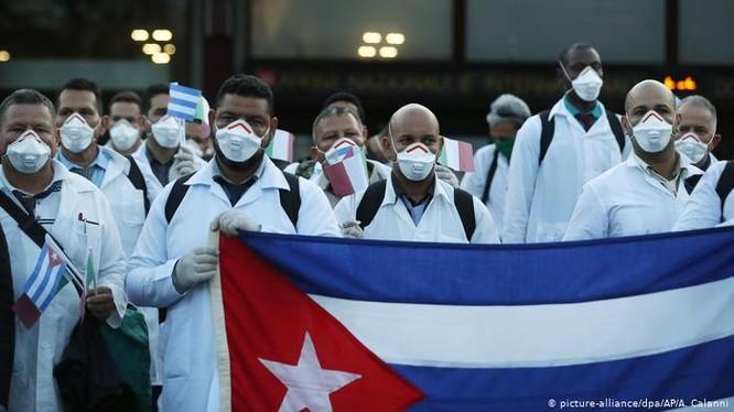 Cuba được coi là quốc gia đối phó có hiệu quả dịch bệnh COVID-19 và có tiềm năng sản xuất vaccine chống virus Corona mới (Ảnh: Deutsche Welle)