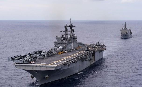 Tàu tấn công đổ bộ trực thăng USS America của Mỹ được cho là xuất hiện gần Đài Loan (Ảnh: Đông Phương).