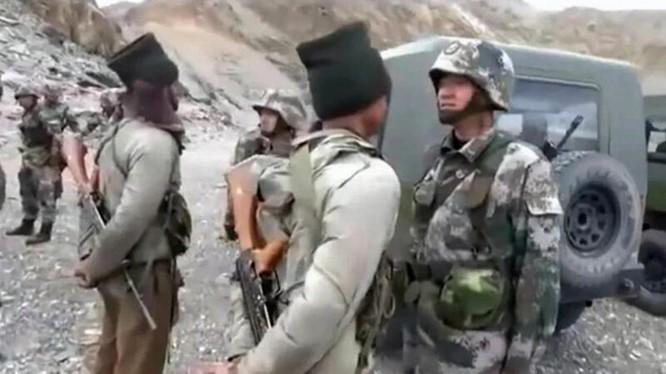 Sau một thời gian dài khá im ắng, Ấn Độ cho biết quân đội Trung Quốc lại gây ra xung đột giữa hai bên ở phía Nam Hồ Pangong (Ảnh: Đa Chiều).
