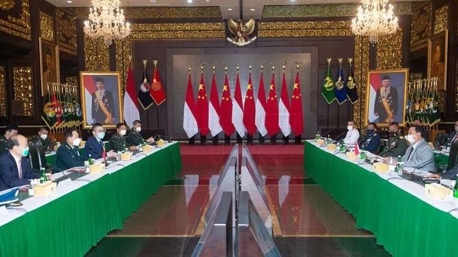 Bộ trưởng Quốc phòng hai nước Trung Quốc và Indonesia hội đàm hôm 9/9 (Ảnh: Tân Hoa xã).