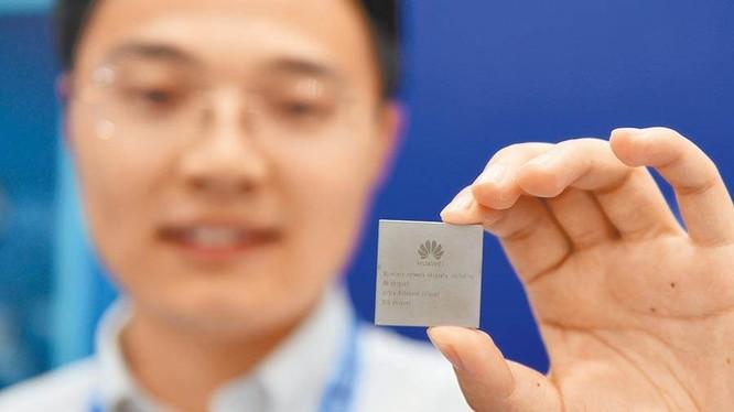 Thiếu chip để sản xuất đang là vấn đề nan giải mà Huawei phải đối mặt giải quyết (Ảnh: China Times).