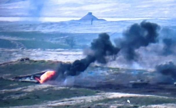 Xung đột dữ dội trên biên giới giữa hai nước Armenia và Azerbaijan, máy bay Azerbaijan bị phía Armenia bắn hạ (Ảnh: Đông Phương).
