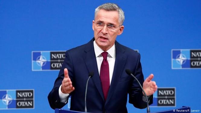 Tổng thư ký NATO Jens Stoltenberg tuyên bố cần xây dựng lại chiến lược để đối phó sự trỗi dậy của Trung Quốc (Ảnh: Deutsche Welle).