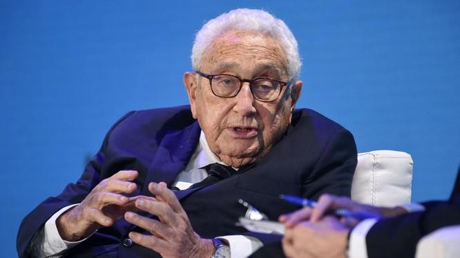 """Ông Kissinger cảnh báo hai nước Mỹ - Trung cần đề ra """"quy tắc giao chiến"""" để không tái diễn cục diện chính trị như trước Chiến tranh thế giới thứ Nhất (Ảnh:DWnews)."""