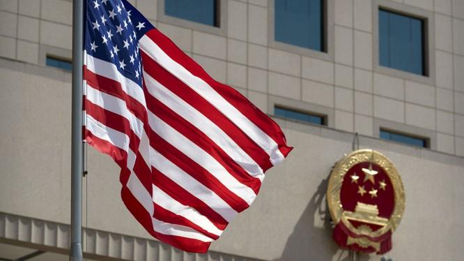 Mỹ - Trung Quốc tranh cãi gay gắt xung quanh việc Mỹ bắt và truy tố các học giả PLA che giấu thân phận thật (Ảnh: Dwnews).