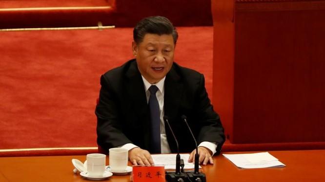 """Phát biểu tại cuộc mít tinh kỷ niệm 70 năm """"kháng Mỹ viện Triều"""" hôm 23/10, ông Tập Cận Bình gửi tín hiệu mạnh mẽ tới Mỹ (Ảnh: Reuters)."""
