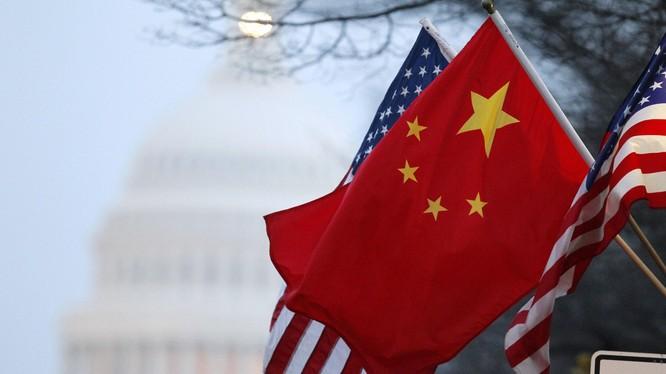 Theo chuyên gia Ezra F. Vogel, hai tháng tới sẽ là thời kỳ nguy cơ cao trong quan hệ Mỹ - Trung nếu ông Trump thất cử (Ảnh: Dwnews).
