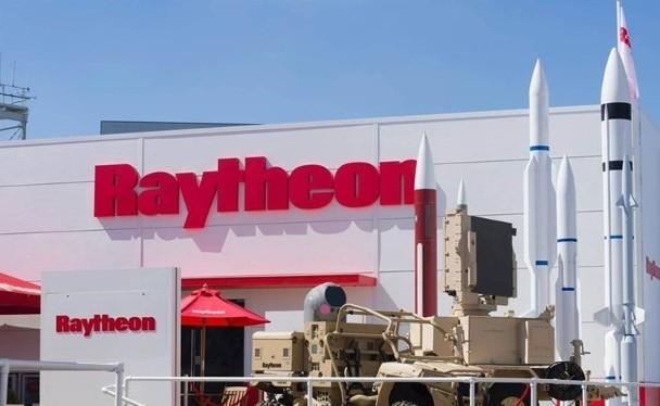 Raytheon là hãng nghiên cứu chế tạo nhiều loại tên lửa tối tân của Mỹ, Tôn Vĩ phải nhận án 38 tháng tù vì vi phạm các quy định bảo mật khi tự ý mang máy tính chứa tài liệu mật tới Trung Quốc (Ảnh: Dongfang).