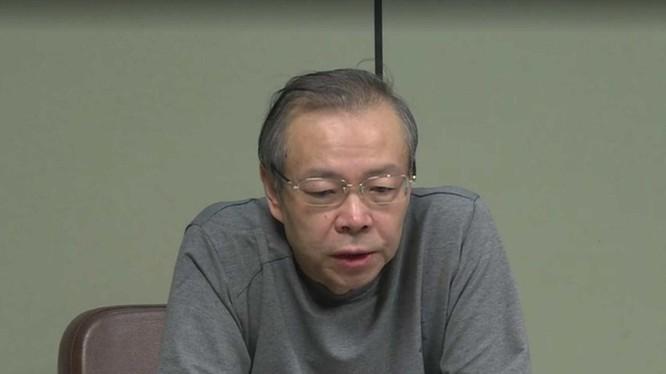 Lại Tiểu Dân sám hối trong phim chiếu trên CCTV (Ảnh: CCTV).