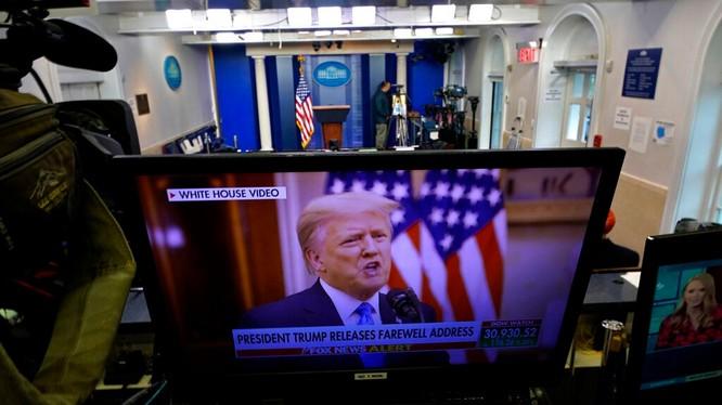 Ngày 19/1, Nhà Trắng cho phát bài phát biểu từ biệt của ông Trump đã ghi hình sẵn (Ảnh: AP).