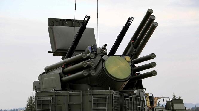 Hệ thống phòng không hiện đại Pantsir-S1 của Nga ở Libya (Ảnh: Dwnews).