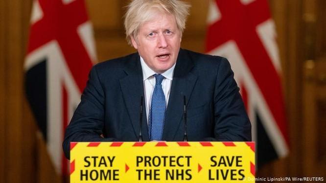 Thủ tướng Anh Boris Johnson cho rằng dịch bệnh COVID-19 khởi nguồn từ Vũ Hán (Ảnh: Reuters).