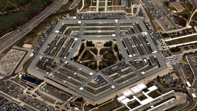Giới quan sát quốc tế cho rằng Lầu Năm Góc hiện đã coi Trung Quốc là mối đe dọa số một của Mỹ (Ảnh: Dwnews).
