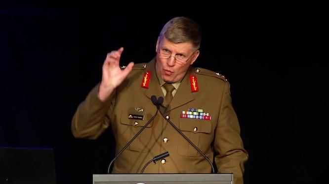Tướng Adam Findlay cảnh báo trong tương lai Australia rất có thể xảy ra chiến tranh với Trung Quốc (Ảnh: Twitter@AustralianArmy).