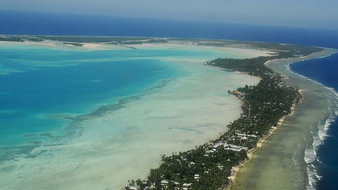 Theo Daily Mail, Trung Quốc có kế hoạch cải tạo sân bay bỏ hoang ở Kiribati thành sân bay quân sự (Ảnh: Đa Chiều).