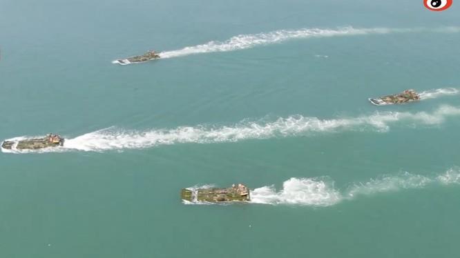 PLA liên tục tiến hành các cuộc diễn tập đổ bộ đe dọa Đài Loan (Ảnh: Dwnews).