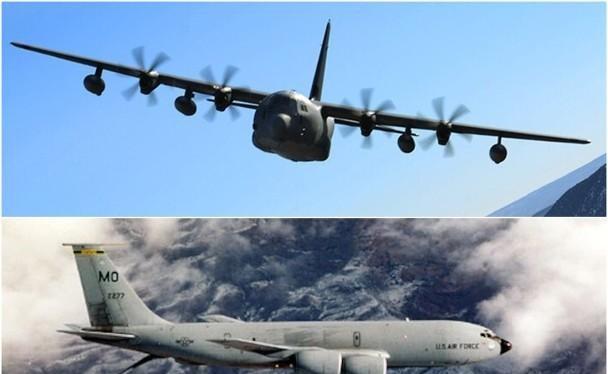 Máy bay vận tải đặc biệt MC-130J (trên) và máy bay tiếp dầu KC-135 của Mỹ (Ảnh: Đông Phương).