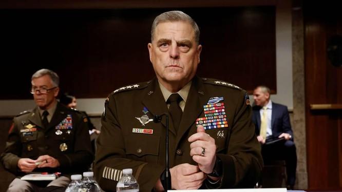 Tướng Mark Milley. Chủ tịch Hội đồng Tham mưu trưởng liên quân Mỹ khẳng định: nếu Đài Loan không đủ sức tự bảo vệ, Mỹ sẽ dùng quân sự giúp ngăn chặn PLA (Ảnh: AP).