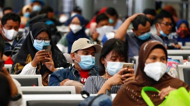 Số người bị nhiễm COVID-19 ở Indonesia đã vượt mốc 2 triệu, đứng đầu khu vực Đông Nam Á (Ảnh: CNA).