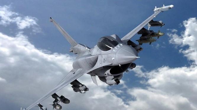Các máy bay F-16 Block 70/72 là phiên bản mạnh nhất của F-16, được cho là đủ sức đối đầu với Su-35S Nga bán cho Trung Quốc (Ảnh: Reuters).