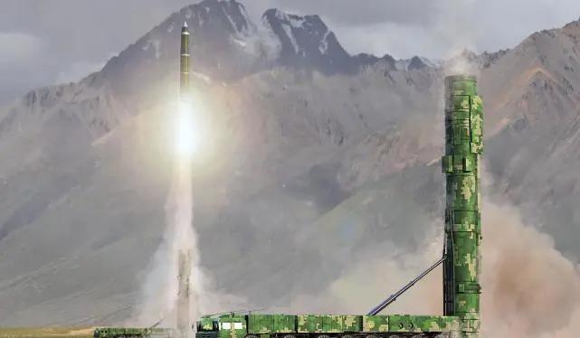 Tên lửa liên lục địa Dongfeng-41 của Trung Quốc phóng thử nghiệm (Ảnh: zhihu).